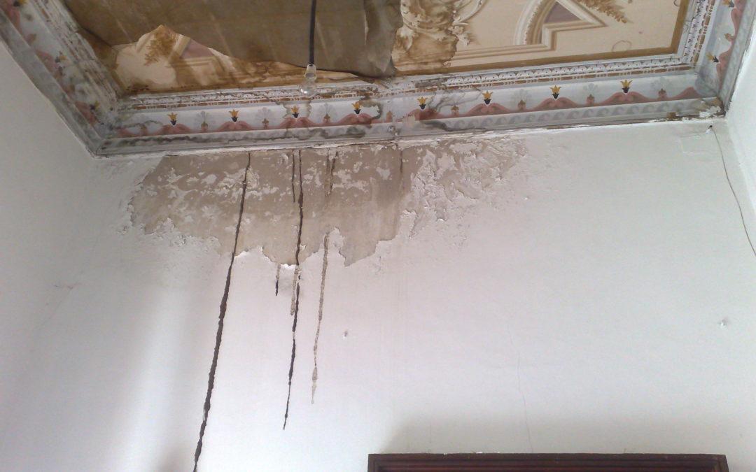 FOTO – Palazzo Gagliardi-De Riso a Vibo Valentia  Il degrado in cui versa lo storico edificio
