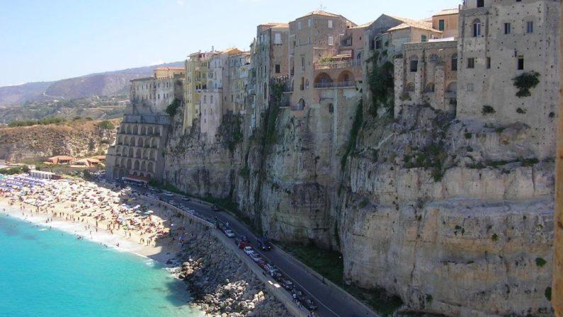 Tropea, revocato l'assessore al Turismoavrebbe «leso la buona immagine dell'ente»