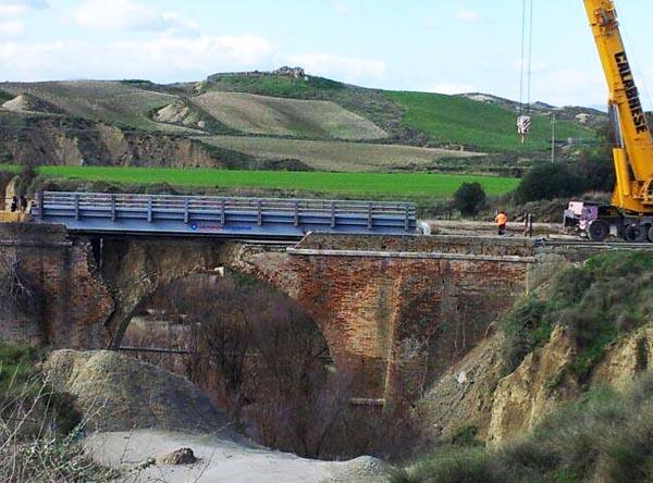 Riapre la Provinciale Craco-Pozzitello Terminati i lavori per il ponte bailey