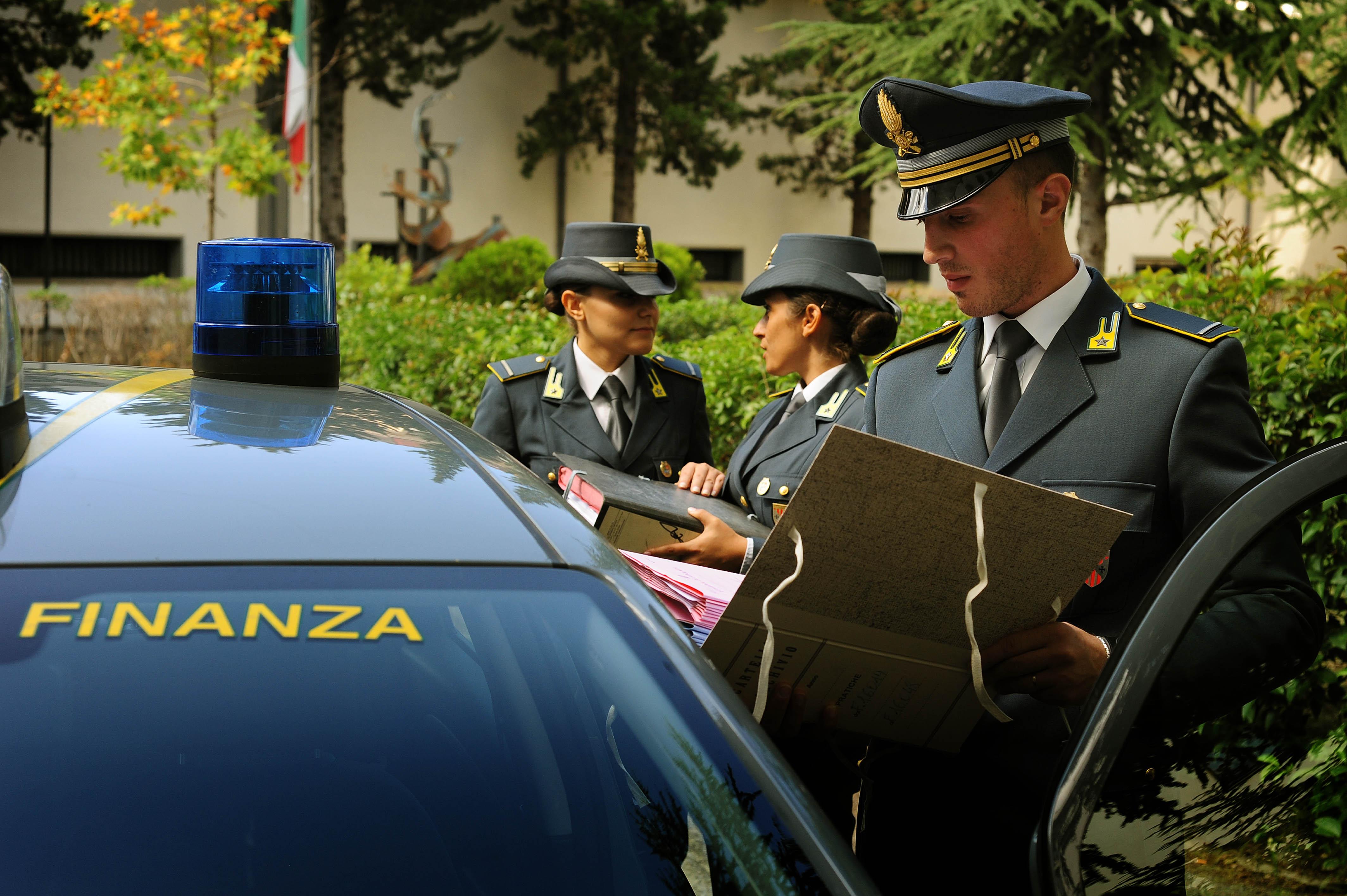 """Scoperta un'azienda """"fantasma"""" nel Cosentino Arrestato imprenditore, sequestrati alcuni beni"""