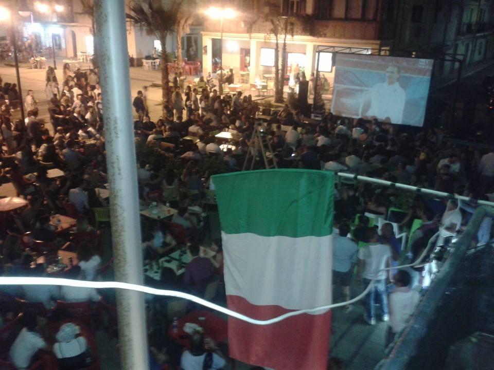 Notti mondiali, le foto della Calabria davanti ai maxischermi per l'Italia