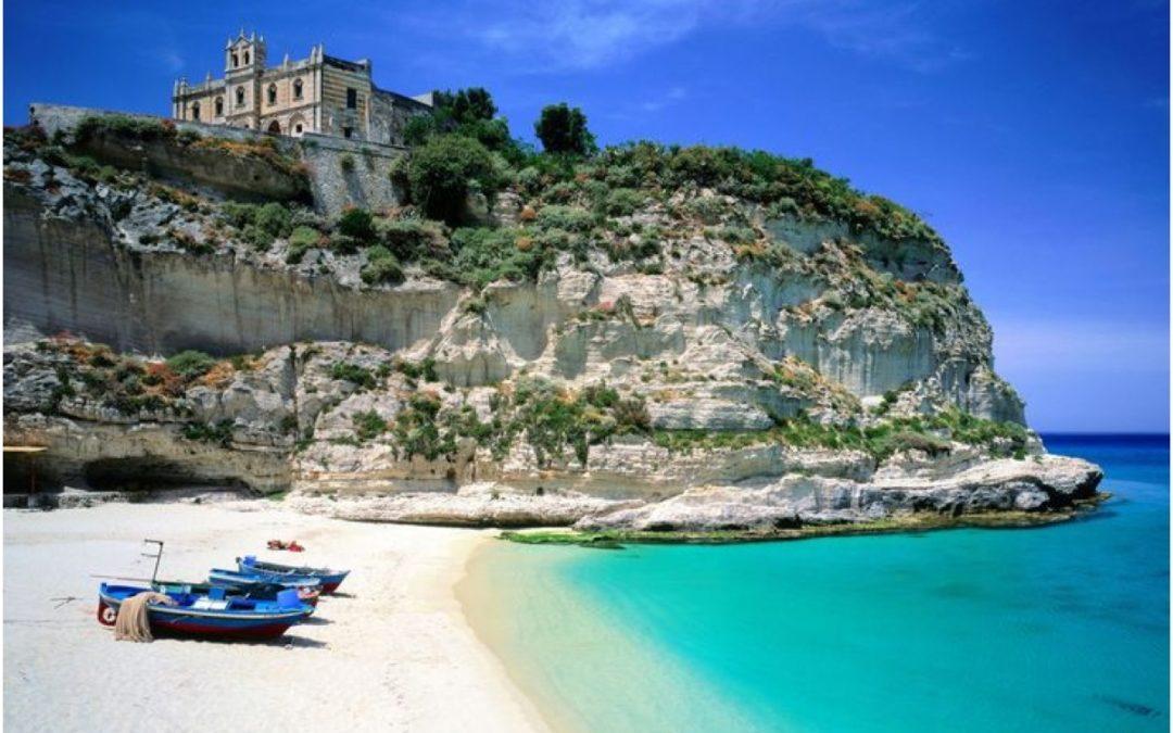 Tropea tra le 10 perle d'ItaliaE' lei la più bella in Calabria?