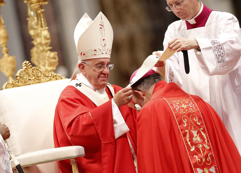 Le foto dell'arcivescovo di Reggio Calabria Morosini tra i metropoliti che ricevono il pallio dal Papa