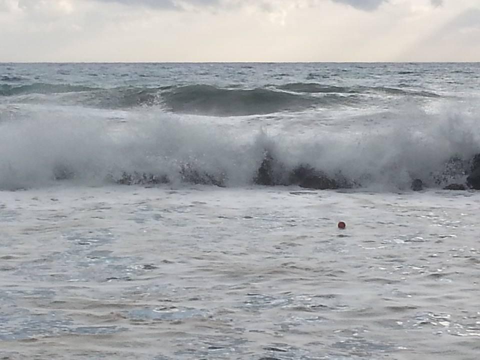 Maltempo, l'estate sembra finita all'improvviso Le foto dei danni causati da pioggia e vento in Calabria