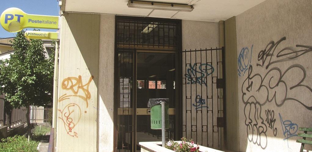 A Venosa l'incuria domina tra le strade del centro