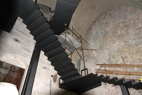Completata scala Torre Maggiore Villa Rufolo