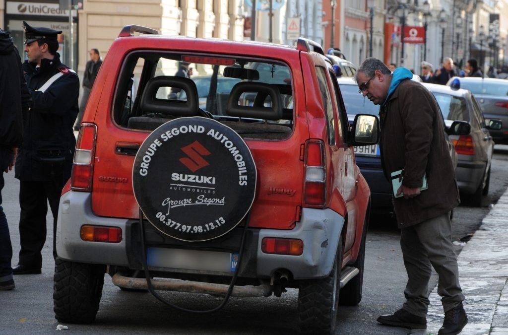Paura a Reggio, uomo spara davanti al teatro durante assemblea magistrati col ministro Orlando