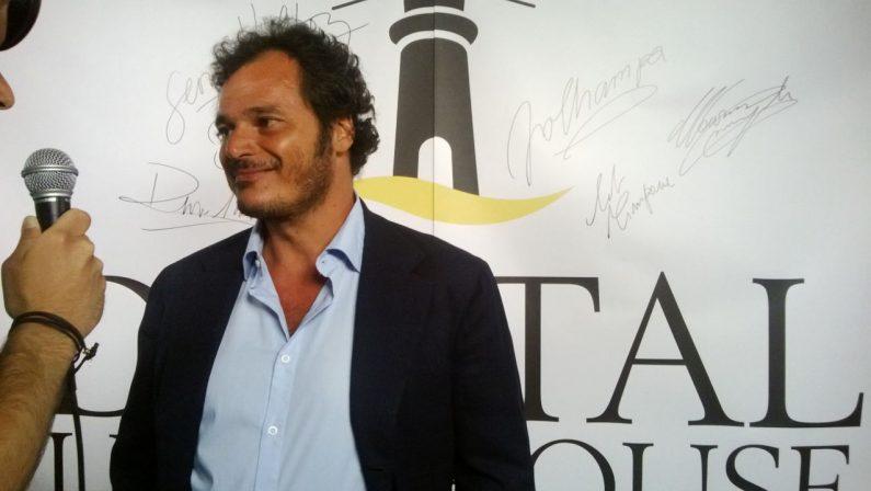 Maratea si popola di stelle del cinema I volti noti (in pausa o in piazza)  al festival