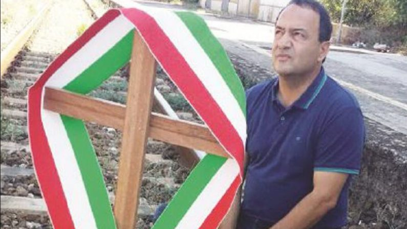 Truffa e concussione: indagato il sindaco di Riace Lucano: «Sono sconcertato ma ben vengano i controlli»