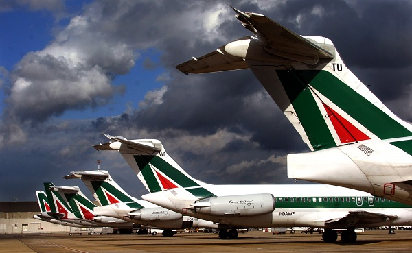 Trasporti, riprendono i voli Alitalia da Reggio Calabria e Lamezia