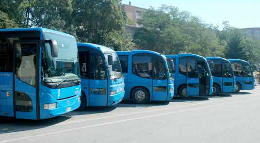 Un biglietto unico per viaggiare con gli autobusProgetto tra Cosenza e Catanzaro. Critiche da Ferro