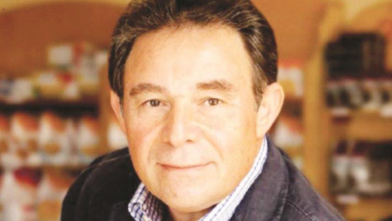 Calabresi nel Mondo, Gesualdo Mastruzzo da Rosarnoal Canada dove è diventato il re del cibo Made in Italy