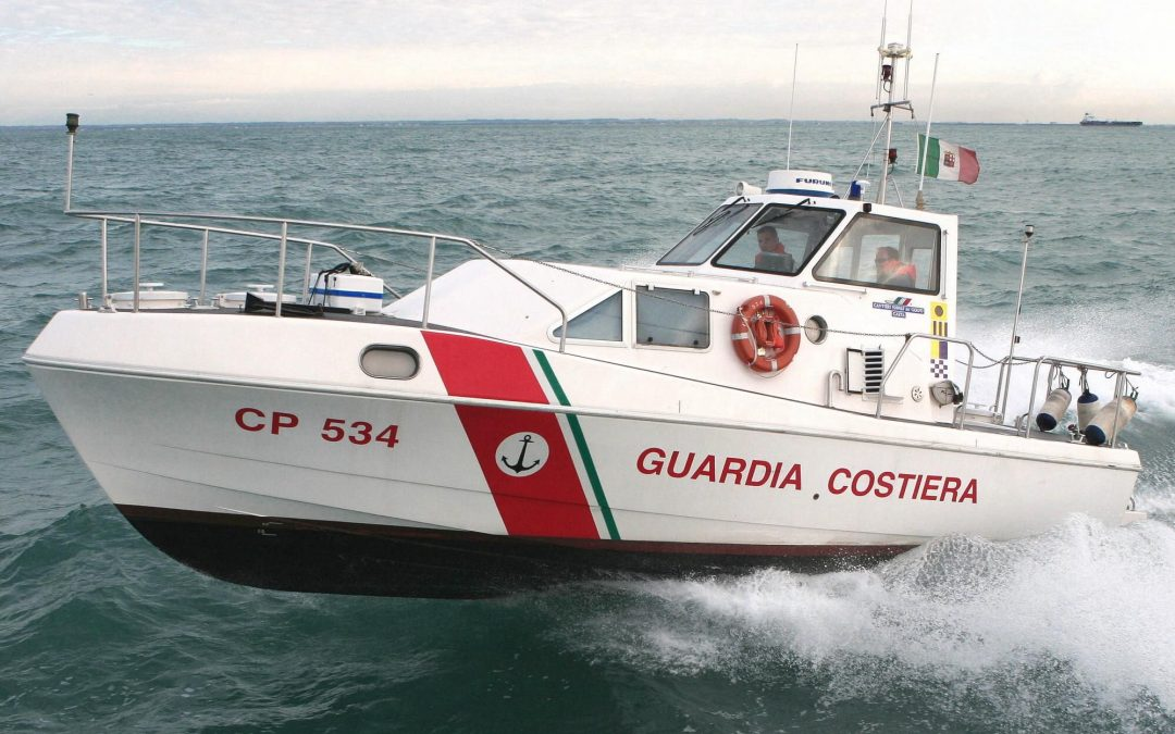 Una motovedetta della Capitaneria di porto