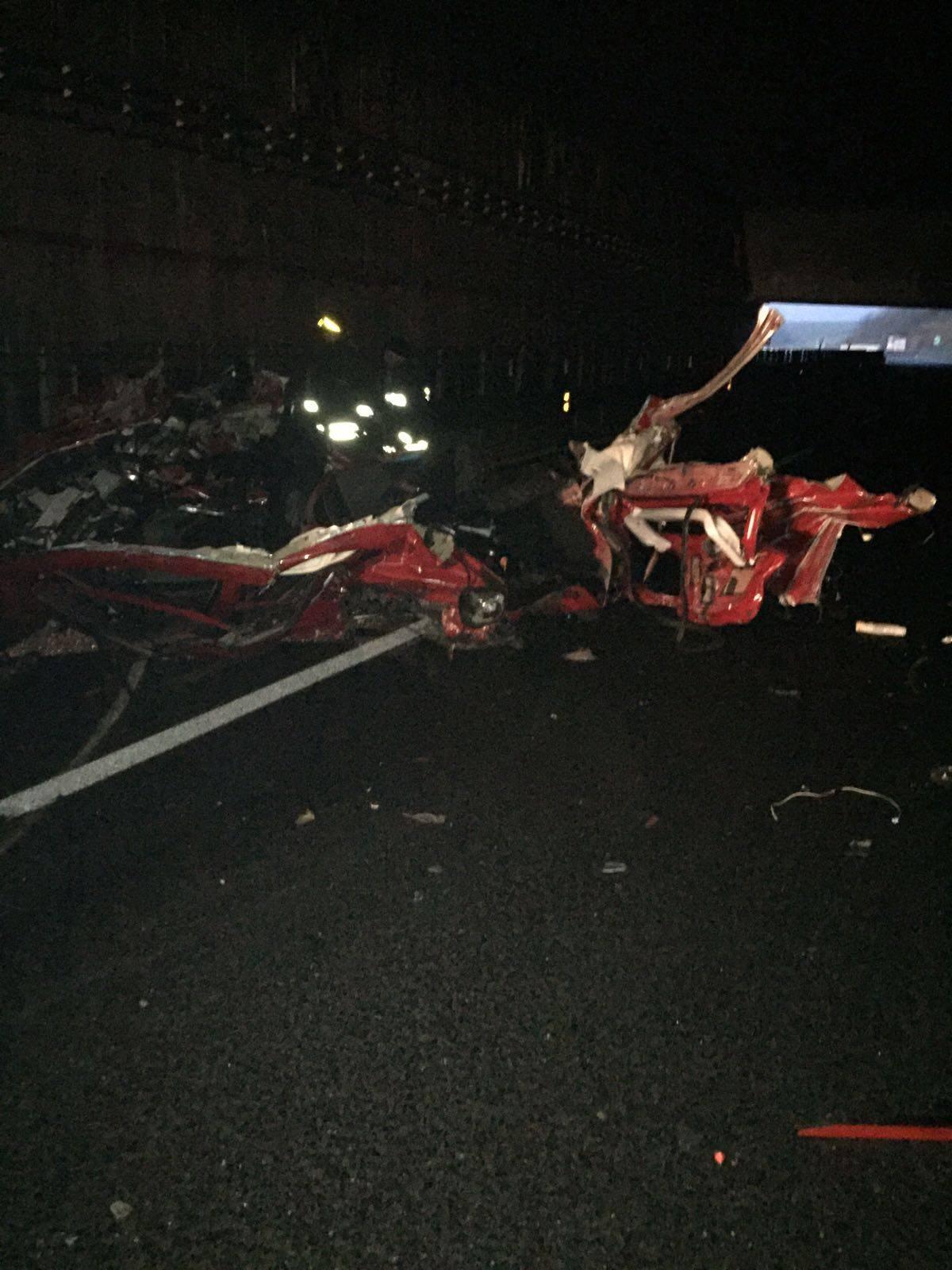 Strage in autostrada nel Vibonese, quattro mortiL'impatto in galleria tra un'autovettura e un Tir