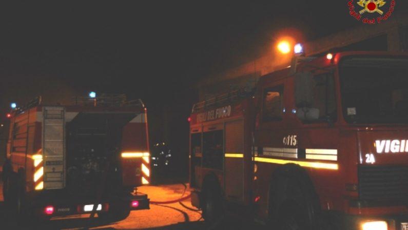Distrutti quindici autobus delle autolinee FedericoUn incendio scatena l'inferno nel parcheggio