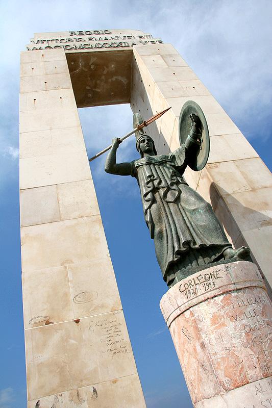 L'Athena ritorna sul lungomare di Reggio CalabriaCompletati i lavori di restauro della statua