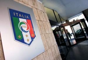 Calcio in confusione, Serie A e B senza certezzeCrotone chiede di rinviare gare. A Cosenza salta evento