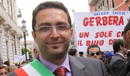 Intimidazione al sindaco di Polistena Michele TripodiCartucce e minacce di morte al protocollo dell'ente