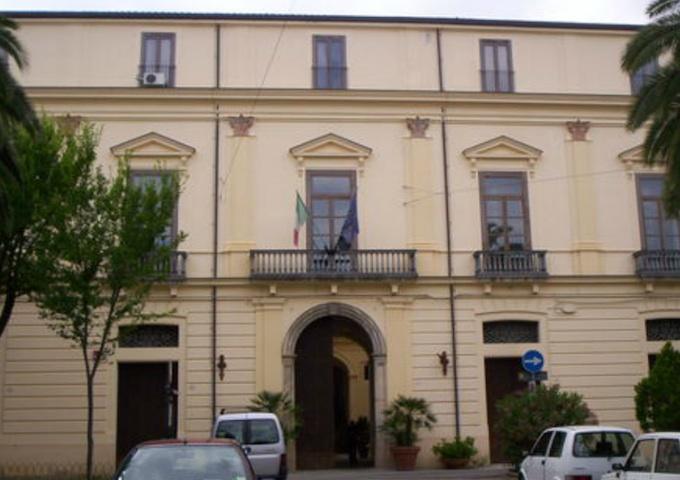 Discarica per i rifiuti, scontro e denunce tra Comune di Castrovillari e Regione Calabria