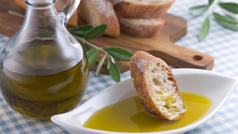 Invasione di olio straniero, scoppia la rivolta nei supermercati della Puglia