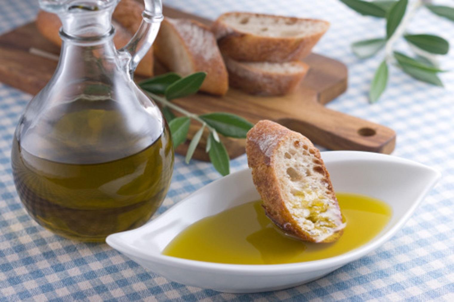 Crolla la produzione di olio extravergine di olivaAnche in Calabria allarme Coldiretti per il maltempo