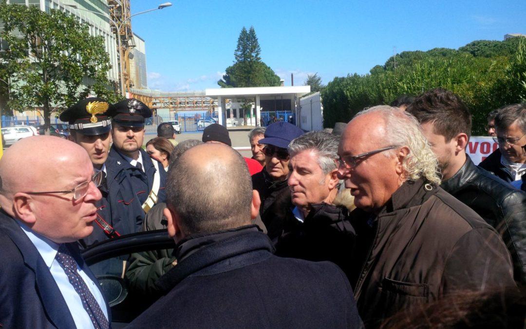 I cittadini di Rossano protestano per chiedere fondi per risolvere i problemi causati dall'alluvione