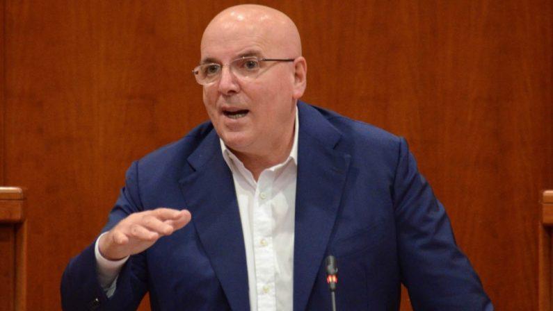 Oliverio insiste: «Io sono candidato alla presidenza della Regione» La prossima settimana Zingaretti in Calabria incontra Callipo