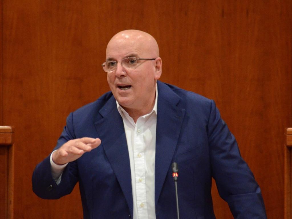 Oliverio insiste: «Io sono candidato alla presidenza della Regione». La prossima settimana Zingaretti in Calabria incontra Callipo