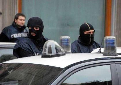 Armi della 'ndrangheta tenute da insospettabileRischio elevato per possibile faida nel Crotonese