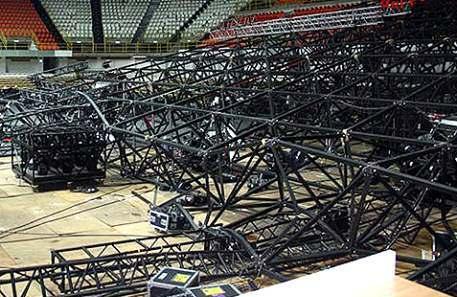 Crollo del palco per il concerto di Pausini a ReggioCinque condanne e un'assoluzione nel processo