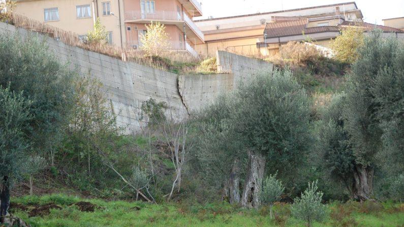 Intero quartiere abusivo, maxi sequestro a ViboSigilli a 47 immobili, tredici le persone indagate