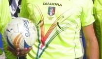 Calci, pugni e bastonate all'arbitro a Reggio CalabriaEmessi tre Daspo dopo una gara di calcio a 5