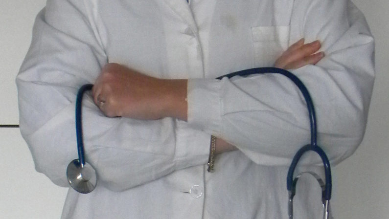 Coronavirus, Lo sfogo di un medico vibonese: «Sono stato io ad essere infettato da altri non io ad infettare»
