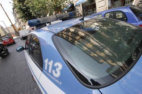 Scippa la borsa ad una donna in pieno giornoPaura a Catanzaro, feriti la donna e un passante