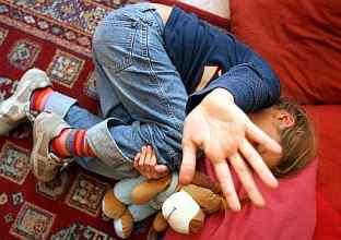 Arrestato psicologo responsabile consultorio familiareViolenza sessuale su tre minorenni nel Reggino