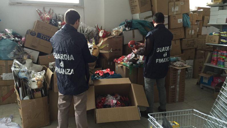 Carnevale pericoloso con maschere e vestiti cinesiSequestrati 500mila prodotti a rischio nel Cosentino