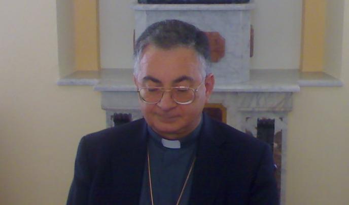Furti a ripetizione nelle chiese del Vibonese Il vescovo: «Non si rispetta neppure il sacro»