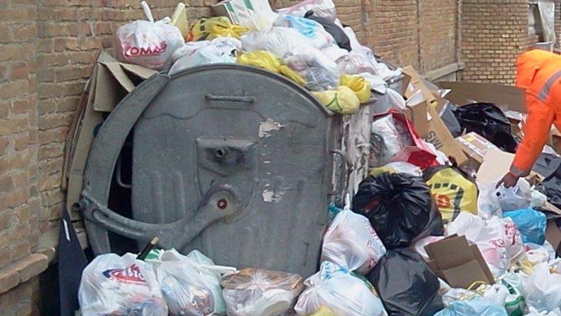 Emergenza rifiuti, la Prefettura chiede interventi alla Regione