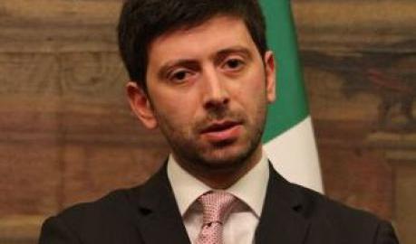Il Pd ha Speranza per il dopo Bersani Appoggio di Renzi: «E' il candidato meno pericoloso»