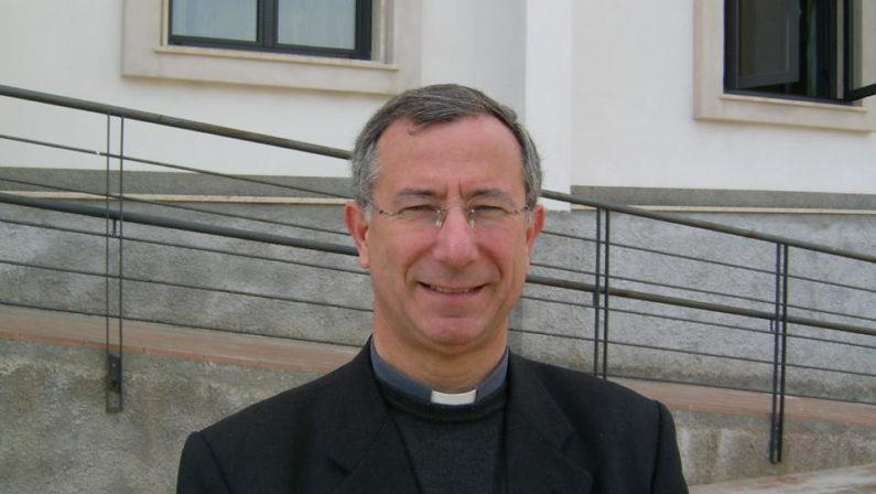 L'appello del vescovo di Matera ai fedeli: «Ospitate i migranti nelle case sfitte»