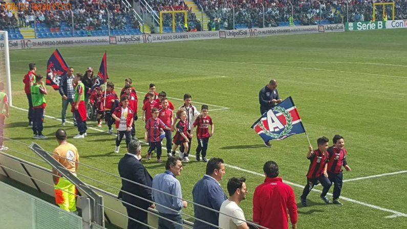 Il Crotone batte il Como ed è già festaManca un punto alla promozione in Serie A