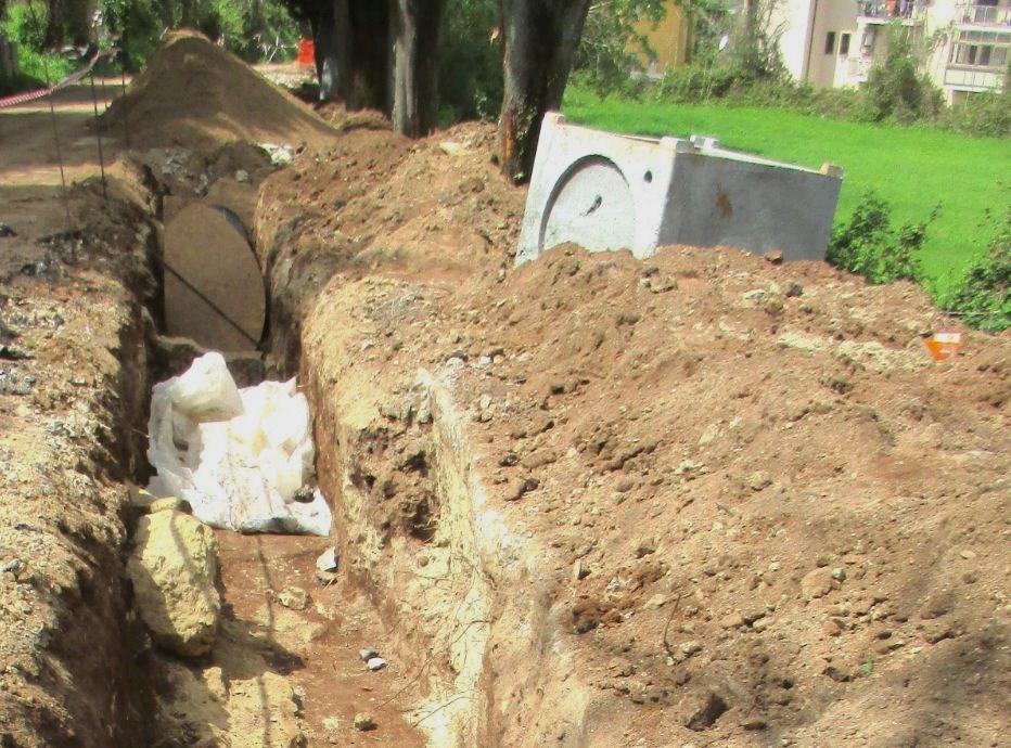 Vibo Valentia, scoprono resti archeologicima li rimettono sotto terra per far passare le condotte