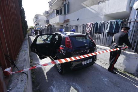 Bimba schiacciata da un cancello: inutile la corsa in ospedale