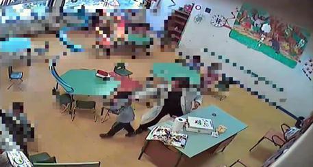Alunni maltrattati, arrestata maestra nel Casertano