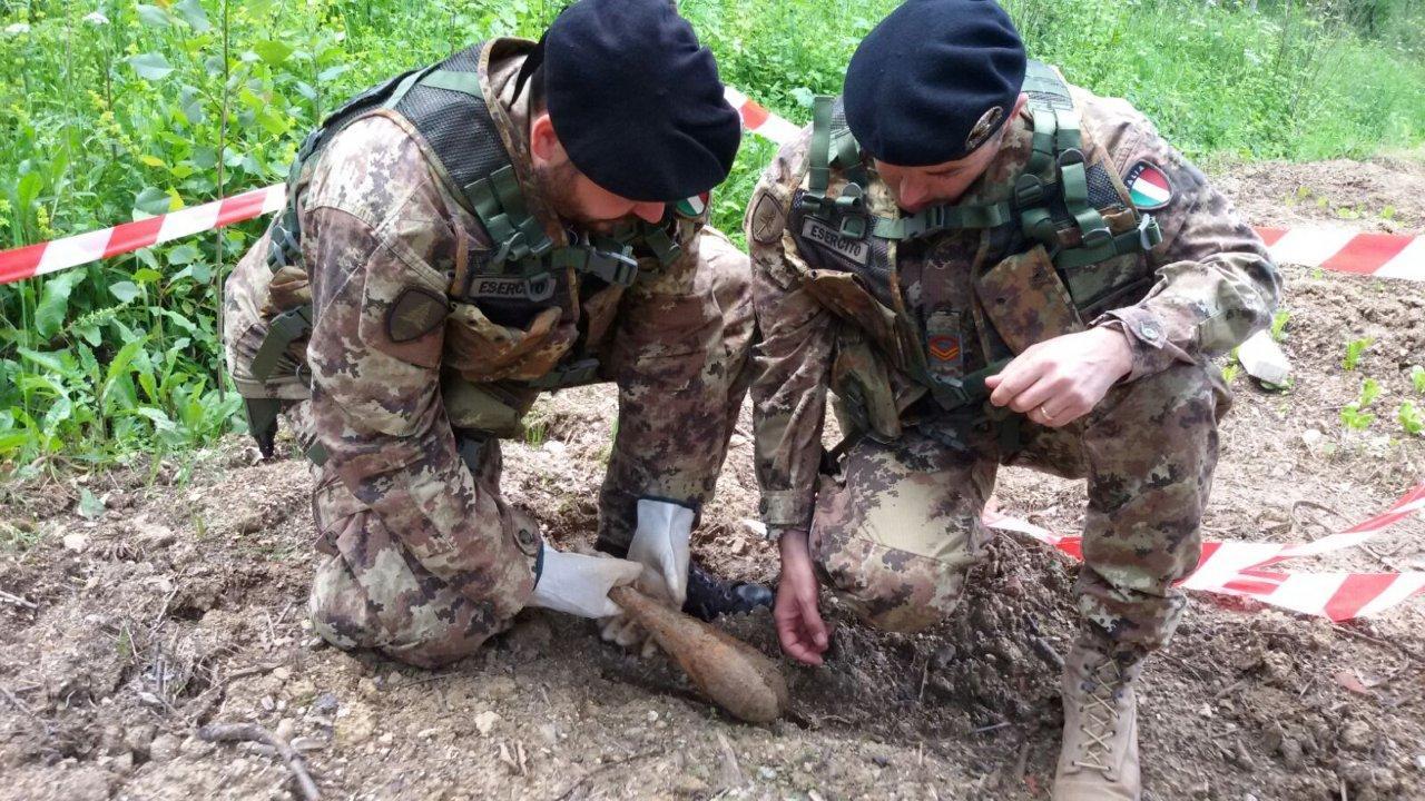 Ordigno bellico ritrovato nel Reggino fatto brillare dagli artificieri dell'esercito