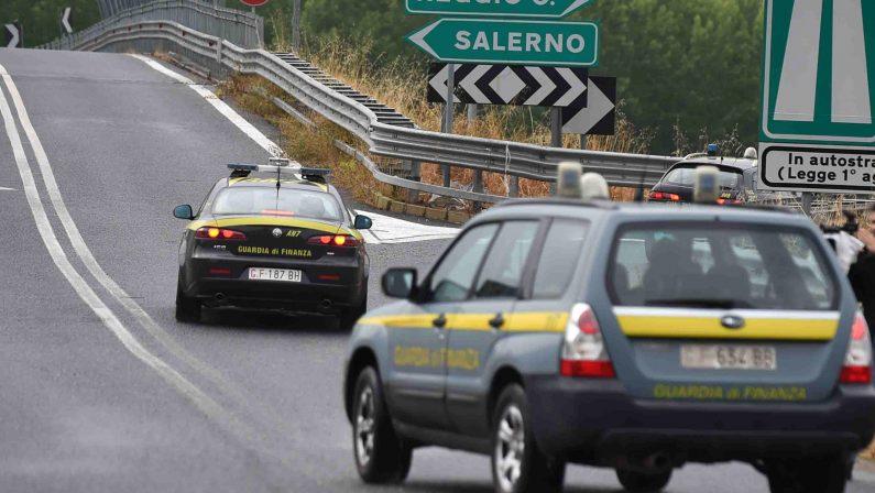 FOTO - Tratto autostrada sequestrata tra Mileto e RosarnoTruffa e danni al fiume Mesima, 21 indagati