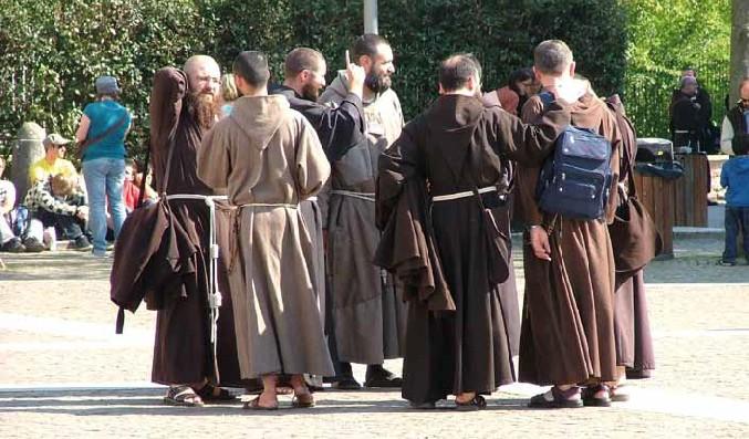 Chiude convento dei cappuccini a Vibo, scoppia lottaper impedire il trasferimento delle opere a Lamezia
