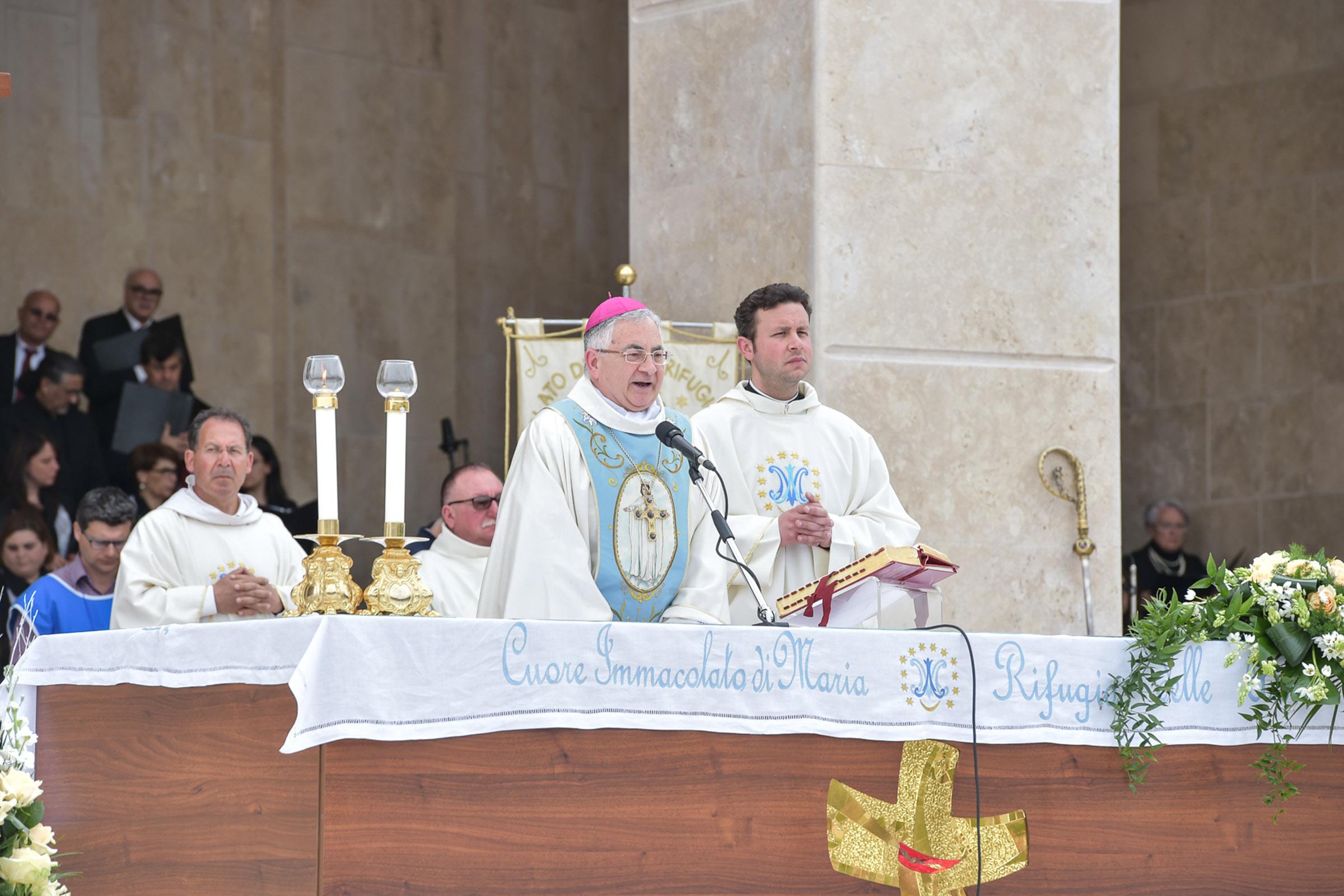 Scontro tra Diocesi di Mileto e la Fondazione NatuzzaIl vescovo Luigi Renzo: «Non potevo non intervenire»