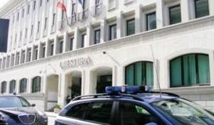 Sorpreso a danneggiare e derubare negozi in centroArrestato dalla polizia un 48enne di Reggio Calabria