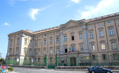 Bruno diventa Mina all'anagrafe, la sentenza del tribunale di Napoli:non è costretto ad operarsi